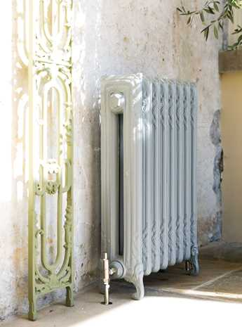 Volute cast iron radiator - white with a hint of blue